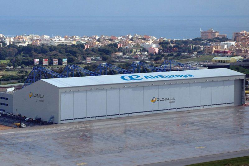 Hangar de mantenimiento de aviones